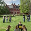 Students on Lawn at KCAI :: Kansas City Art Institute