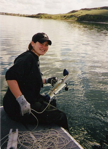 CWU undergraduate student involved in microbiological field research at Soap Lake :: Central Washington University