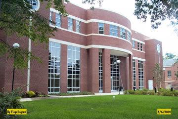 Administration building :: Benedict College