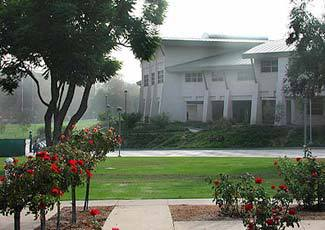 Campus Building :: California State Polytechnic University-Pomona