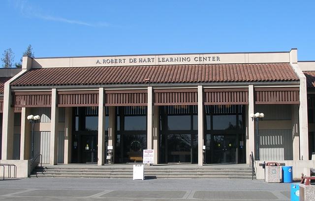 A. Robert De Hart Learning Center :: De Anza College