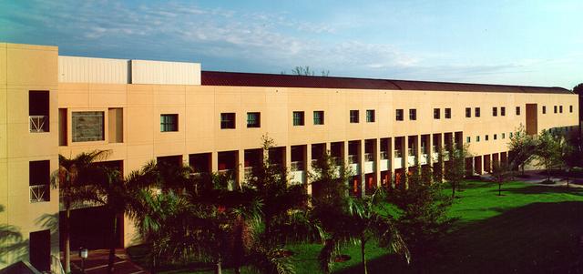 James L. Knight Physics Building :: University of Miami