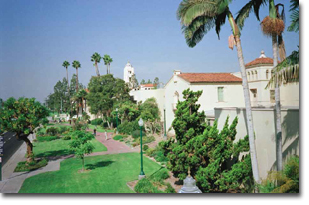 Front view of the college :: Fullerton College