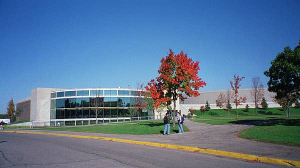 Act Scores For Colleges >> Grand Valley State University (GVSU, GVSU) Academics and ...