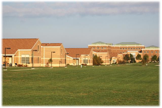 townhouses :: University of Illinois at Springfield